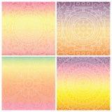 Reeks kaarten met Indische mandala op tedere gradiëntachtergrond Boheems ornament voor affiches of banners Stock Afbeelding