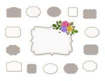 Reeks kaders met stikken en bloemen, geïsoleerd op whiyeachtergrond die worden verfraaid stock illustratie