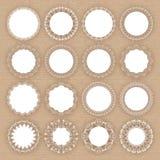 Reeks kanten witte kaders op kartonachtergrond Royalty-vrije Stock Foto