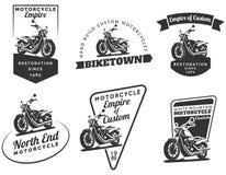 Reeks klassieke motorfietsemblemen, kentekens en pictogrammen Stock Foto's