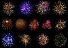Reeks kleurrijk die vuurwerk op zwarte achtergrond wordt geïsoleerd Royalty-vrije Stock Afbeelding