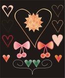Reeks kleurrijke decoratieve hartvormen en bogen Royalty-vrije Stock Afbeelding