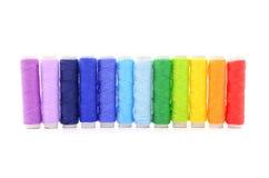Reeks kleurrijke spoelen van draad Royalty-vrije Stock Afbeelding
