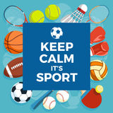 Reeks kleurrijke sportballen en gokkenpunten bij een blauwe achtergrond De inschrijving HOUDT KALME IT IS SPORT Gezonde Levenssti Stock Foto