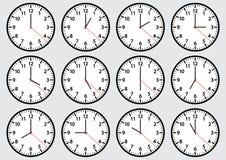 Reeks klokpictogrammen die tijd tonen Vector illustratie royalty-vrije illustratie