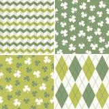Reeks koele naadloze patronen als achtergrond in groen  royalty-vrije illustratie