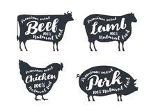 Reeks landbouwbedrijfdieren met steekproeftekst Silhouetteert hand getrokken dieren: koe, schapen, varken, kip