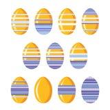 Reeks leuke feestelijke die eieren van Pasen met strepen, ornament en linten worden verfraaid op witte achtergrond worden geïsole royalty-vrije illustratie