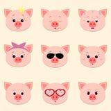 Reeks leuke piggy gezichts verschillende emoties in beeldverhaalstijl vector illustratie