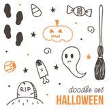 Reeks leuke zwarte en oranje Halloween-krabbels op witte achtergrond Stock Foto's