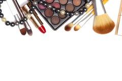 Reeks make-uphulpmiddelen op witte achtergrond met copyspace Royalty-vrije Stock Foto's