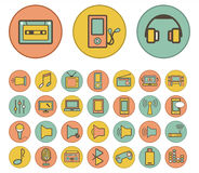 Reeks media en communicatie kleurrijke pictogrammen. Royalty-vrije Stock Foto's