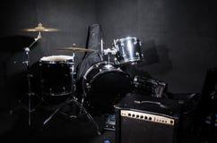 Reeks muzikale instrumenten in club Royalty-vrije Stock Afbeeldingen