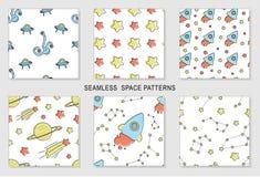 Reeks naadloze patronen met beeldverhaal ruimtescène vector illustratie