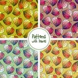 Reeks naadloze patronen met gestileerde bladeren Royalty-vrije Stock Afbeeldingen
