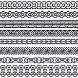 Reeks naadloze uitstekende grenzen in de vorm van Keltisch ornament Stock Afbeeldingen