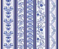 Reeks naadloze verticale grenzen in de etnische stijl van het schilderen op porselein Stock Afbeeldingen