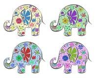 Reeks olifanten door bloemen worden geschilderd die. Royalty-vrije Stock Foto's
