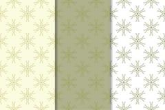 Reeks olijf groene bloemenachtergronden Naadloze patronen Royalty-vrije Stock Afbeeldingen