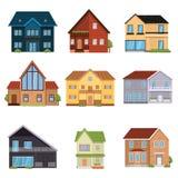 Reeks ontworpen huizen van verschillende configuraties, vloeren en vormen vector illustratie