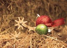 Reeks oude roestige aansporingen met de ornamenten van Kerstmis Royalty-vrije Stock Fotografie