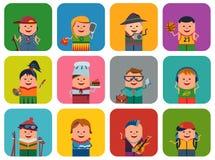 Reeks pictogrammen met verschillende mensen Stock Afbeeldingen