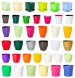 Reeks plastic bloempotten Stock Foto's