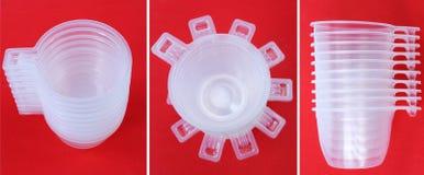 Reeks plastic koffiekoppen Stock Foto's