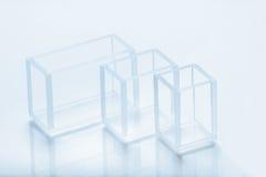 Reeks rechthoekige cuvettes verschillende capaciteit royalty-vrije stock afbeelding