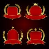 Reeks Rode Koninklijke Etiketten met Gouden voering en laurierbladeren Stock Foto's