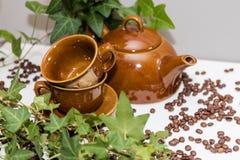 Reeks schotels voor koffie Geïsoleerd op wit Koffie Royalty-vrije Stock Afbeelding