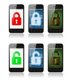 Reeks smartphones met interfaceontwerpen die cyber veiligheid tonen royalty-vrije illustratie