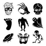 Reeks spooklijkenetende geesten en vreemde pictogrammen vector illustratie
