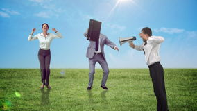 Reeks springende bedrijfsmensen in langzame motie stock footage