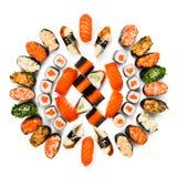 Reeks sushi, maki, gunkan en broodjes die bij wit worden geïsoleerd Royalty-vrije Stock Foto's