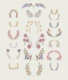 Reeks symmetrische bloemen grafische ontwerpelementen Royalty-vrije Stock Foto's