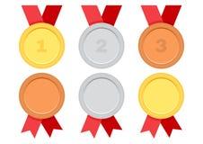 Reeks toekenningsmedailles met rood lint Goud, Zilver en Brons Vector vector illustratie