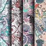 Reeks tracery kleurrijke naadloze patronen Gebogen doodling achtergronden voor textiel of druk met mehndi en etnische motieven Royalty-vrije Stock Fotografie