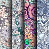 Reeks tracery kleurrijke naadloze patronen Gebogen doodling achtergronden voor textiel of druk met mehndi en etnische motieven Stock Afbeeldingen