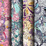 Reeks tracery kleurrijke naadloze patronen Gebogen doodling achtergronden voor textiel of druk met mehndi en etnische motieven Royalty-vrije Stock Foto