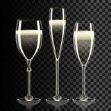 Reeks transparante champagneglazen met fonkelingen Stock Foto