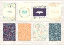 Reeks uitstekende kaarten met bloempatronen en ornamenten Stock Afbeeldingen