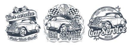 Reeks uitstekende kentekens, stickers, signage voor de autodienst, was, opslag van delen met retro auto Stock Foto