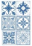Reeks uitstekende keramische tegels in azulejoontwerp met blauwe patronen op witte achtergrond, het traditionele Spanje en aardew Royalty-vrije Stock Afbeelding