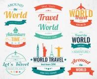 Reeks uitstekende reiskentekens en etiketten De Pictogrammen van vakantieelementen Reis en toerisme Vector Stock Foto's