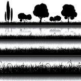 Reeks van aardachtergrond met gras, struiken en bomen Stock Foto's
