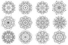 Reeks van abstract ontwerpelement Ronde mandalas binnen Grafisch malplaatje voor uw ontwerp Decoratief retro ornament Getrokken h Royalty-vrije Stock Foto