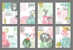 Reeks van acht kaarten met hand getrokken abstracte inkttextuur en bloemenaardmotief Royalty-vrije Stock Foto's