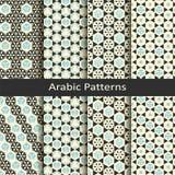 Reeks van acht naadloze vector Arabische traditionele geometrische patronen ontwerp voor dekking, textiel, verpakking royalty-vrije illustratie