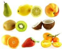 Reeks van acht soorten verse vruchten stock foto's